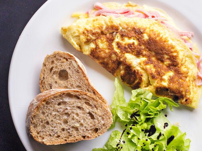 Если в духовке нет функции гриль,  омлет с лососем пекарня буше.